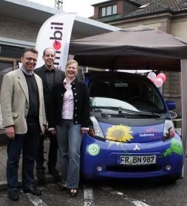 Foto, Stadtmobil Südbaden Stand mit E-Auto